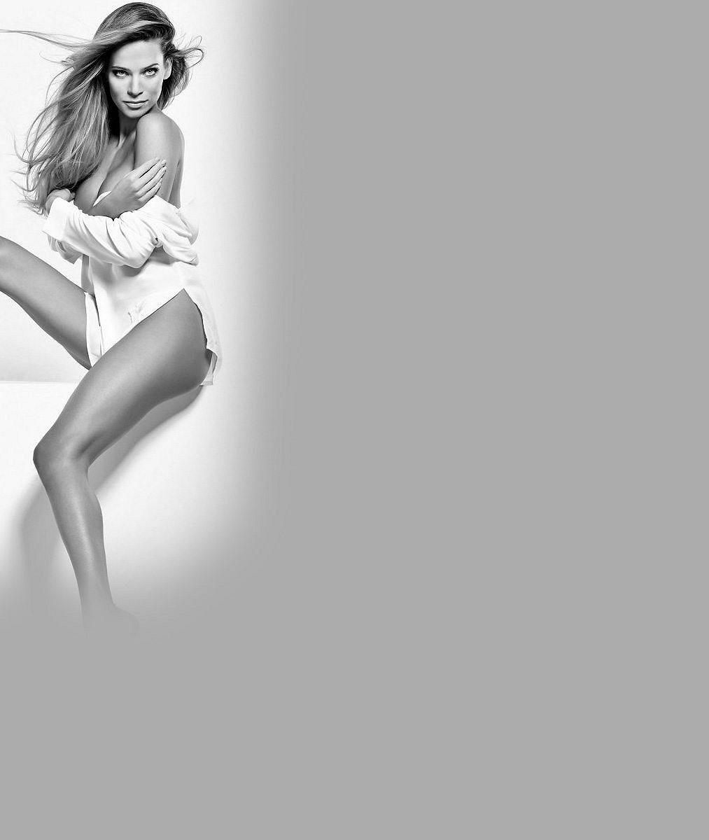 Dokonalá ze všech stran: Andrea Verešová svá fantastická stehna a půlky vystavila v obchoďáku i na slunci
