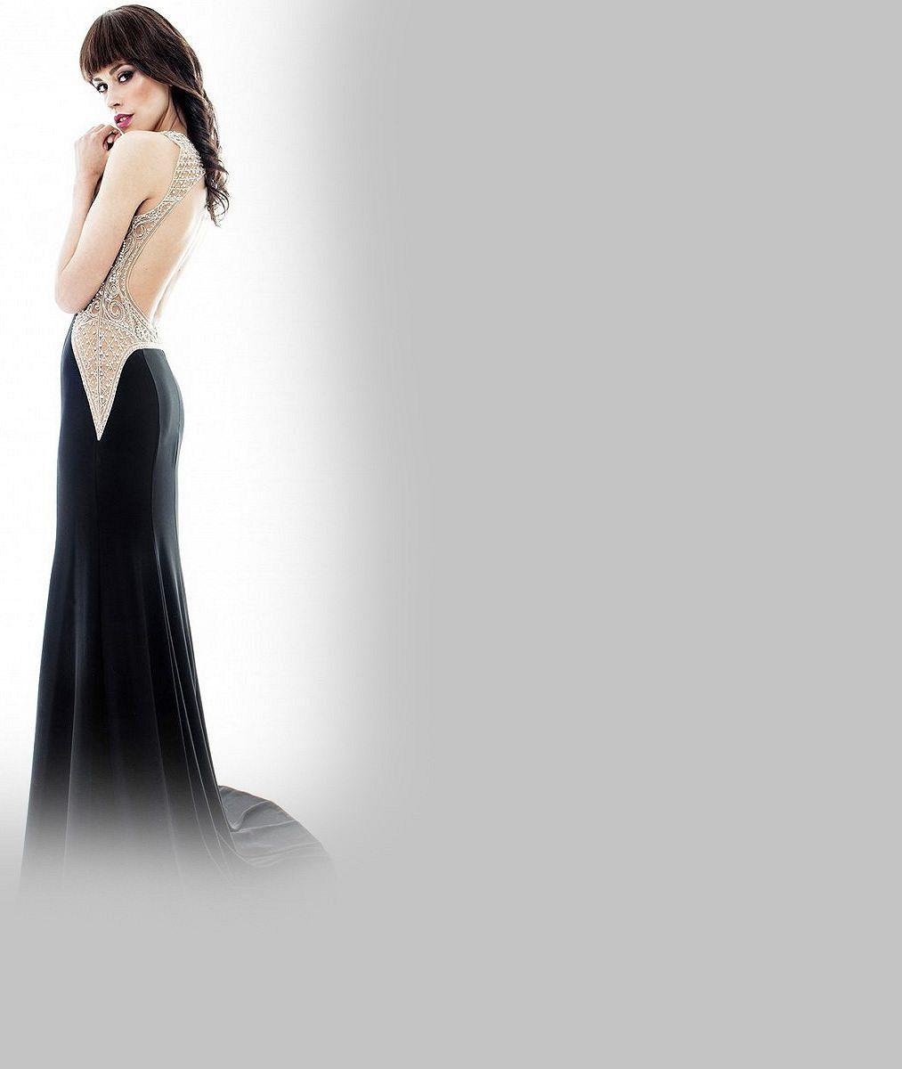 Hvězda přehlídek spodního prádla je vdanou paní. Partner jí vystrojil svatbu jako zpohádky