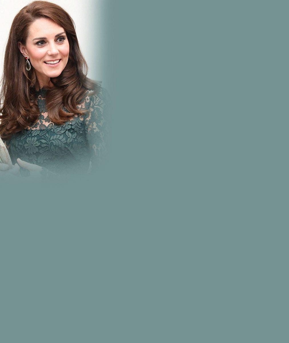 Vévodkyně Kate oblékla zelené krajkové šaty: V galerii byla tím nejkrásnějším exponátem
