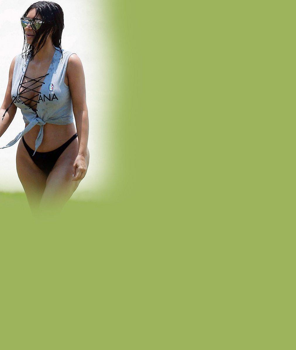 Kim Kardashian odzvonilo: Její pozadí hyzdí celulitida, sexy zadeček teď vystavuje její starší sestra