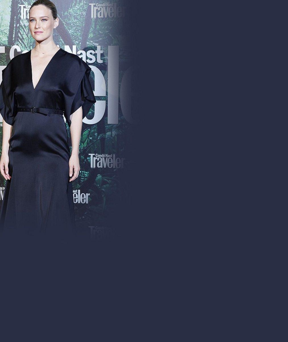 DiCapriova bývalka ukázala těhotenské bříško: Doma má přitom teprve devítiměsíční dcerku