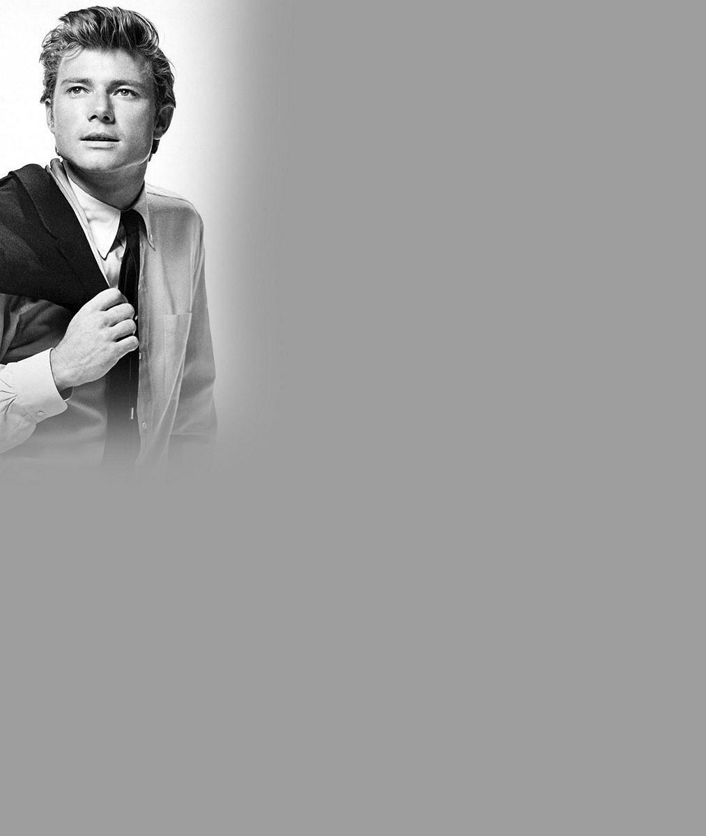 Herec (✝77), přirovnávaný k Jamesi Deanovi, se nahoty nebál: Takhle se na plátně obnažil jako biblický Adam