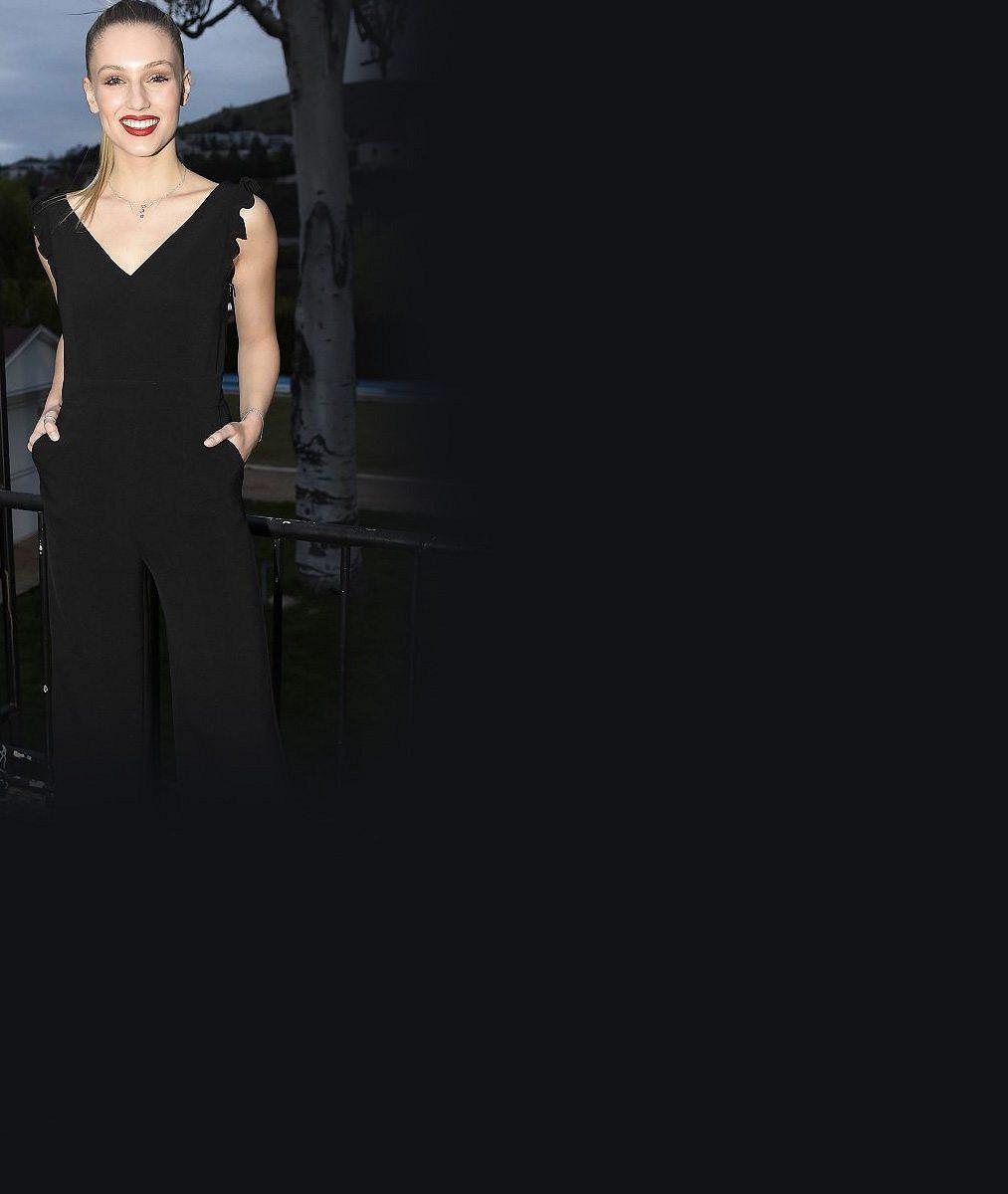 Wow! Loňská Česká Miss World šokovala nejen odvážnými šaty, ale také účesem, ve kterém ji nikdo nepoznal