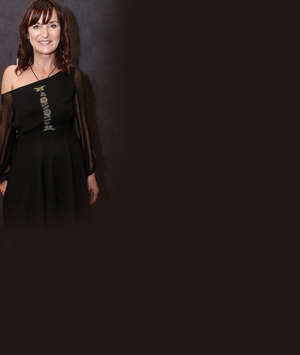 Před dramatickým nástupem pandemie koronaviru oblékla česká návrhářka nejkrásnější ženu Indie