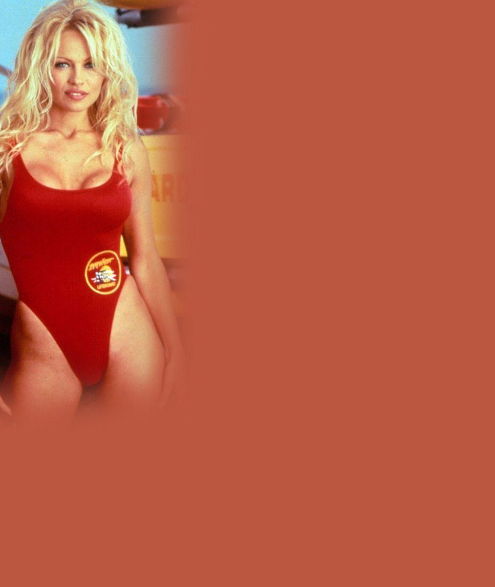 Sexbomba Pamela Anderson slaví padesátku: Pokochejte se pohledem na žhavé sexy fotky slavné plavčice, které nafotila pro Playboy