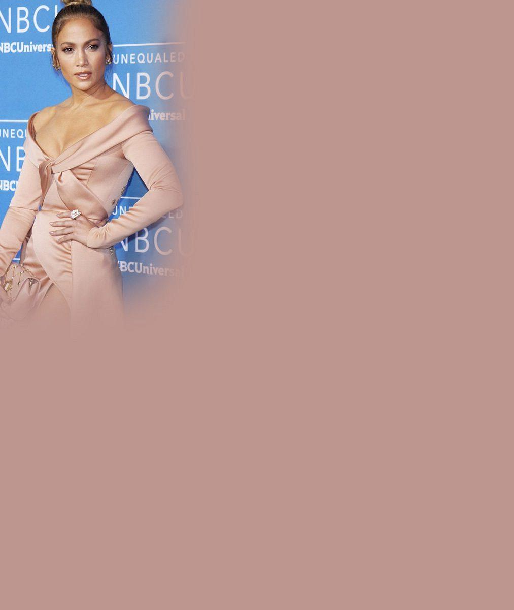 Nestárnoucí Jennifer Lopez oslavila narozeniny v rajcovních průsvitných šatech: Sotva správně uhodnete její věk