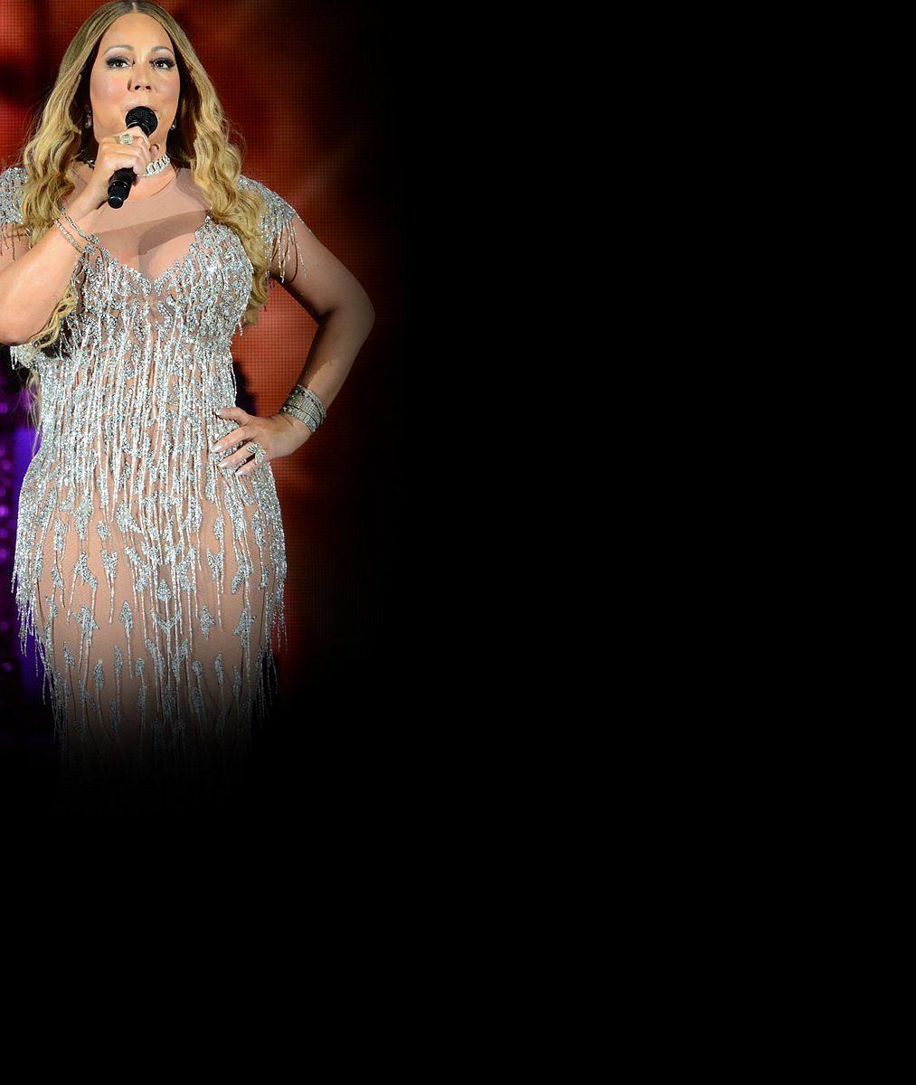 Mariah Carey je pořádné sousto: Takhle se při zvedání plnoštíhlé zpěvačky zapotili čtyři tanečníci