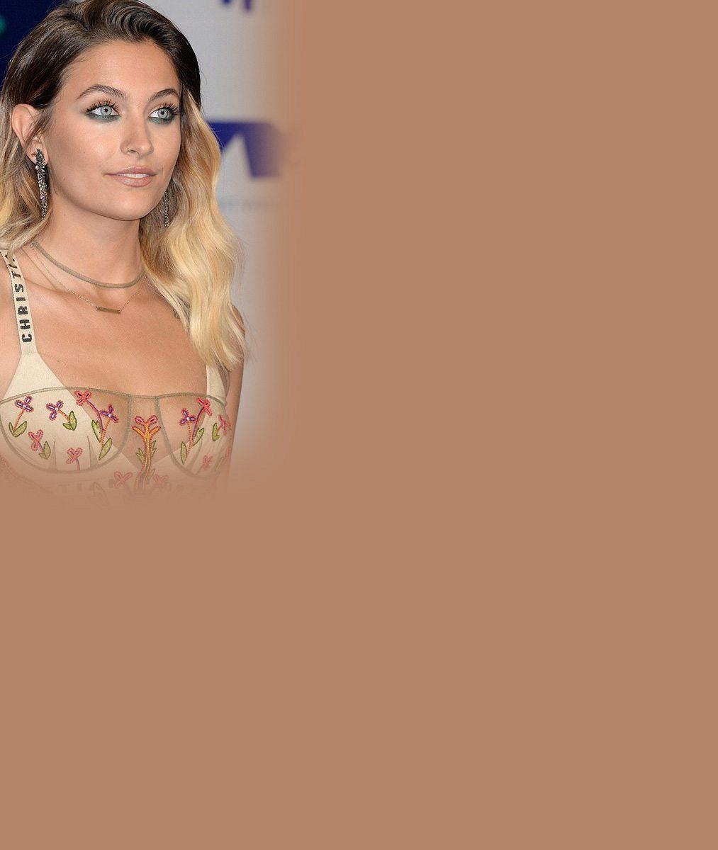 Chlupatá dcera krále popu Michaela Jacksona (✝50) brojila na galavečeru MTV proti násilí