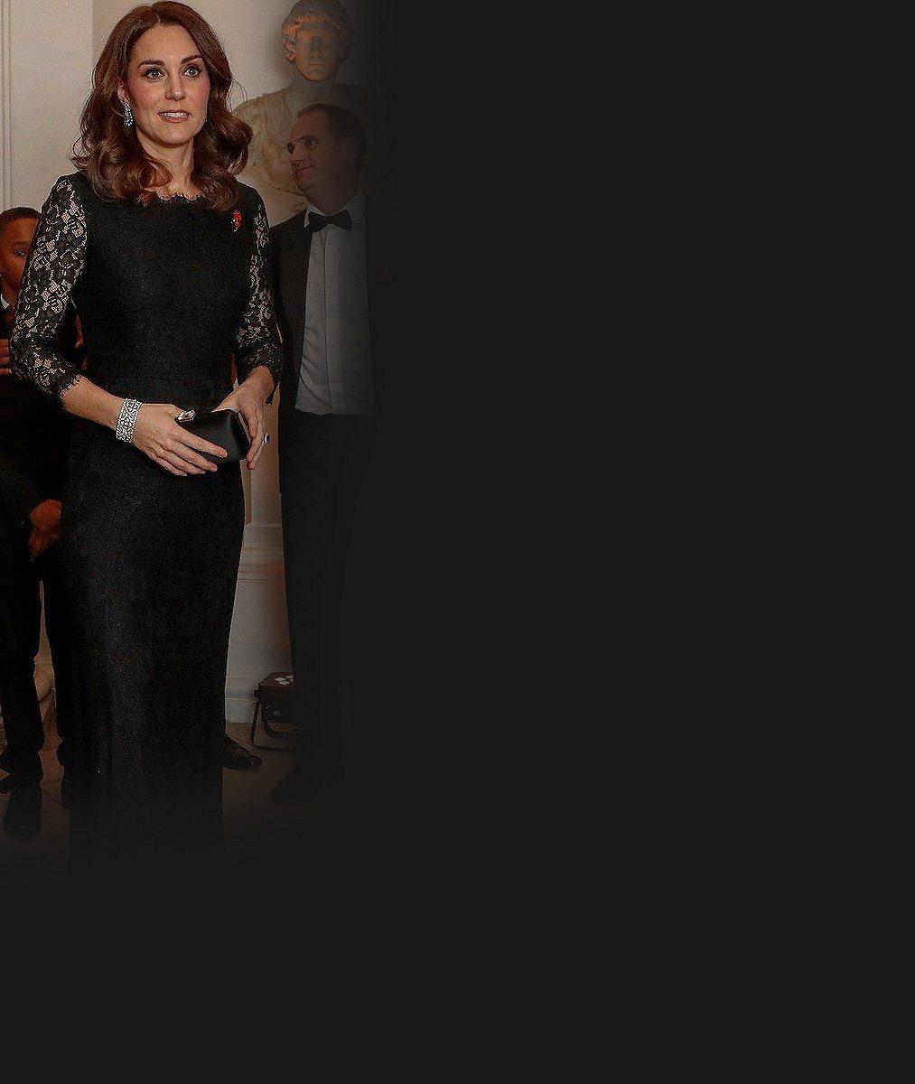 Vévodkyně Kate maskovala rostoucí bříško kabelkou: V dubnu bude trojnásobnou maminkou
