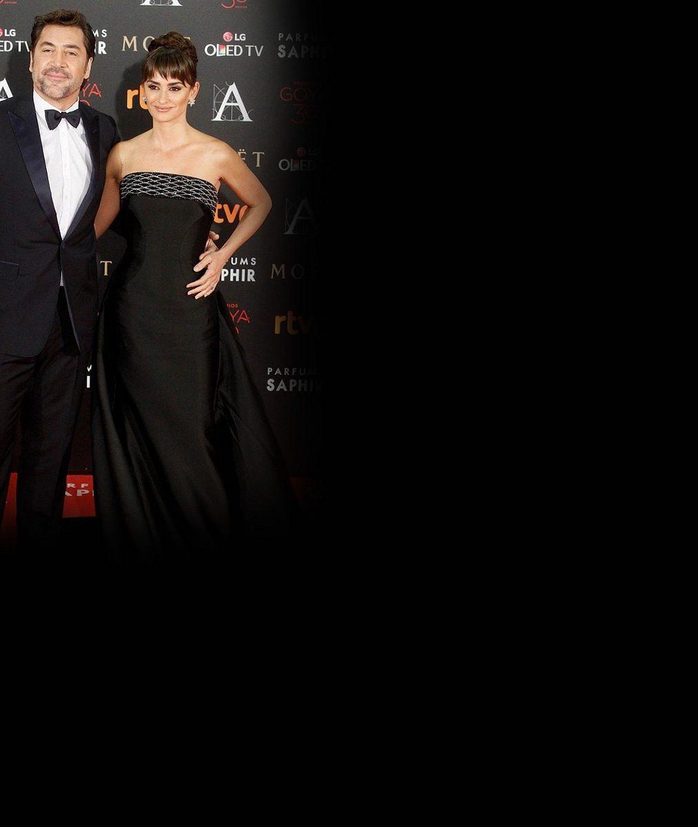 Angelině s Bradem už odzvonilo: Těchto 12 hereckých manželských párů září na červeném koberci místo nich