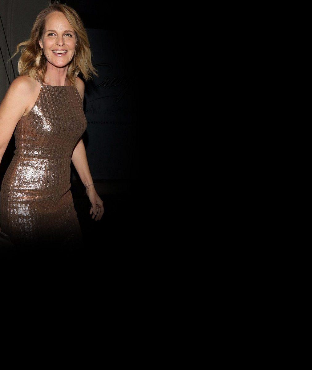 Lepší už to nebude: Slavná herečka (54) se ukázala vhorním dílu bikin asjížděla vlny