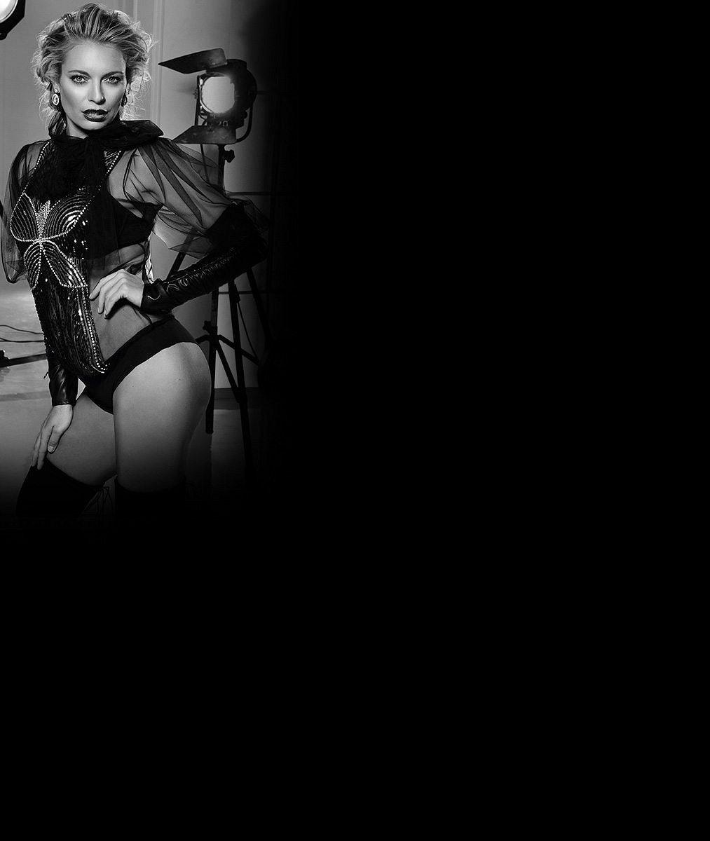 9sexy snímků oslavenkyně Lucie Borhyové: Takhle odhalenou ji na televizních obrazovkách neuvidíte