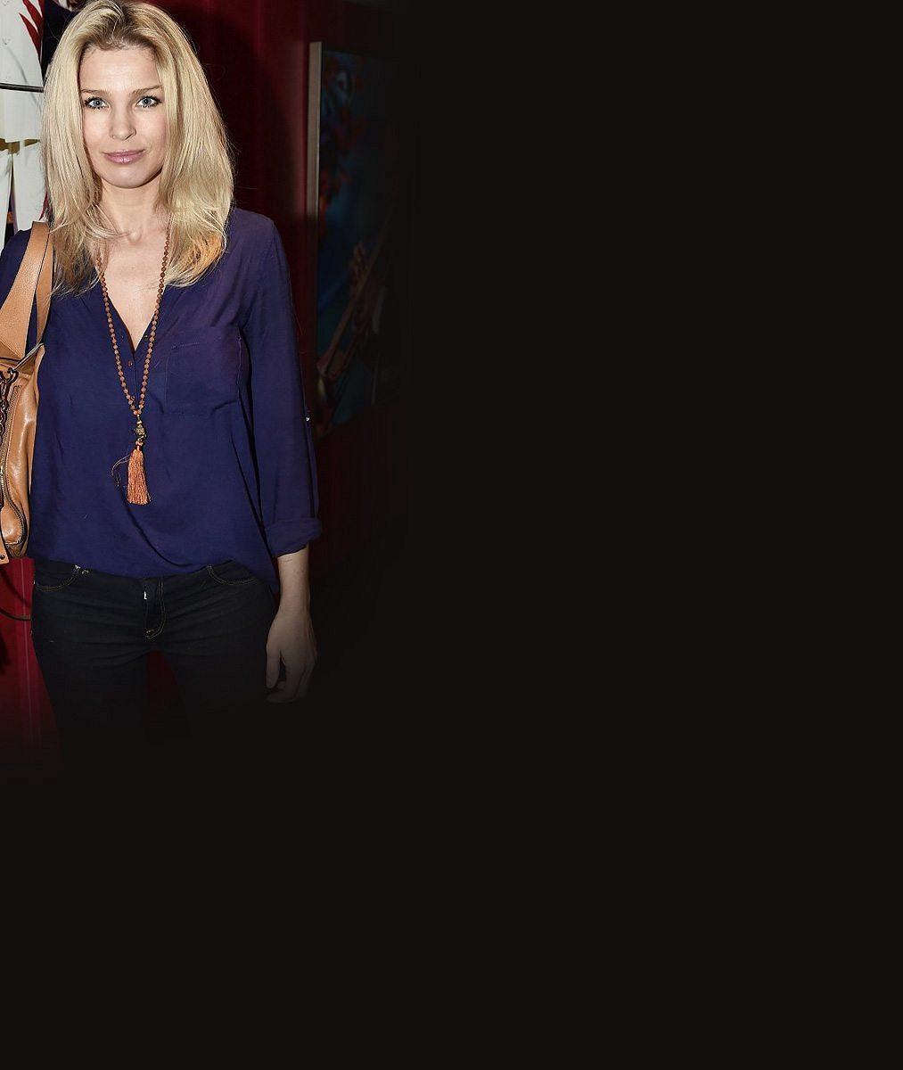 Bývalá rosnička a hvězda obrazovek: Sexy blondýnka s věkem neztrácí nic ze své krásy