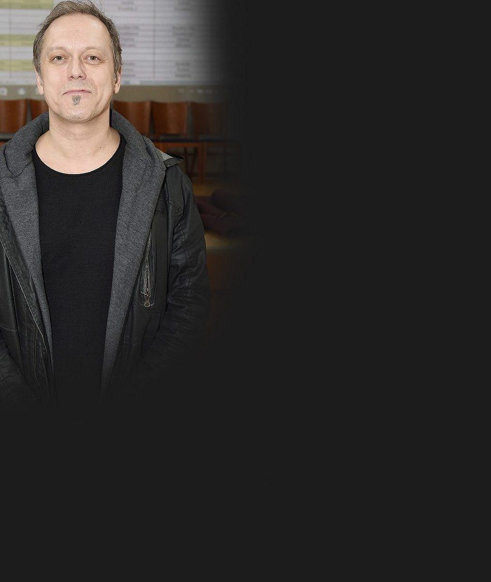 Zpěvák Viktor Dyk se exkluzivně pochlubil vnučkou: Jsem rád, že jsem se Nelinky vůbec dožil