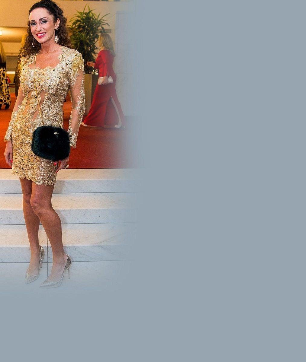 Čím zlatější, tím lepší! Královna nevkusu Sisa Sklovska na galavečeru dostála své pověsti nejtřpytivější celebrity