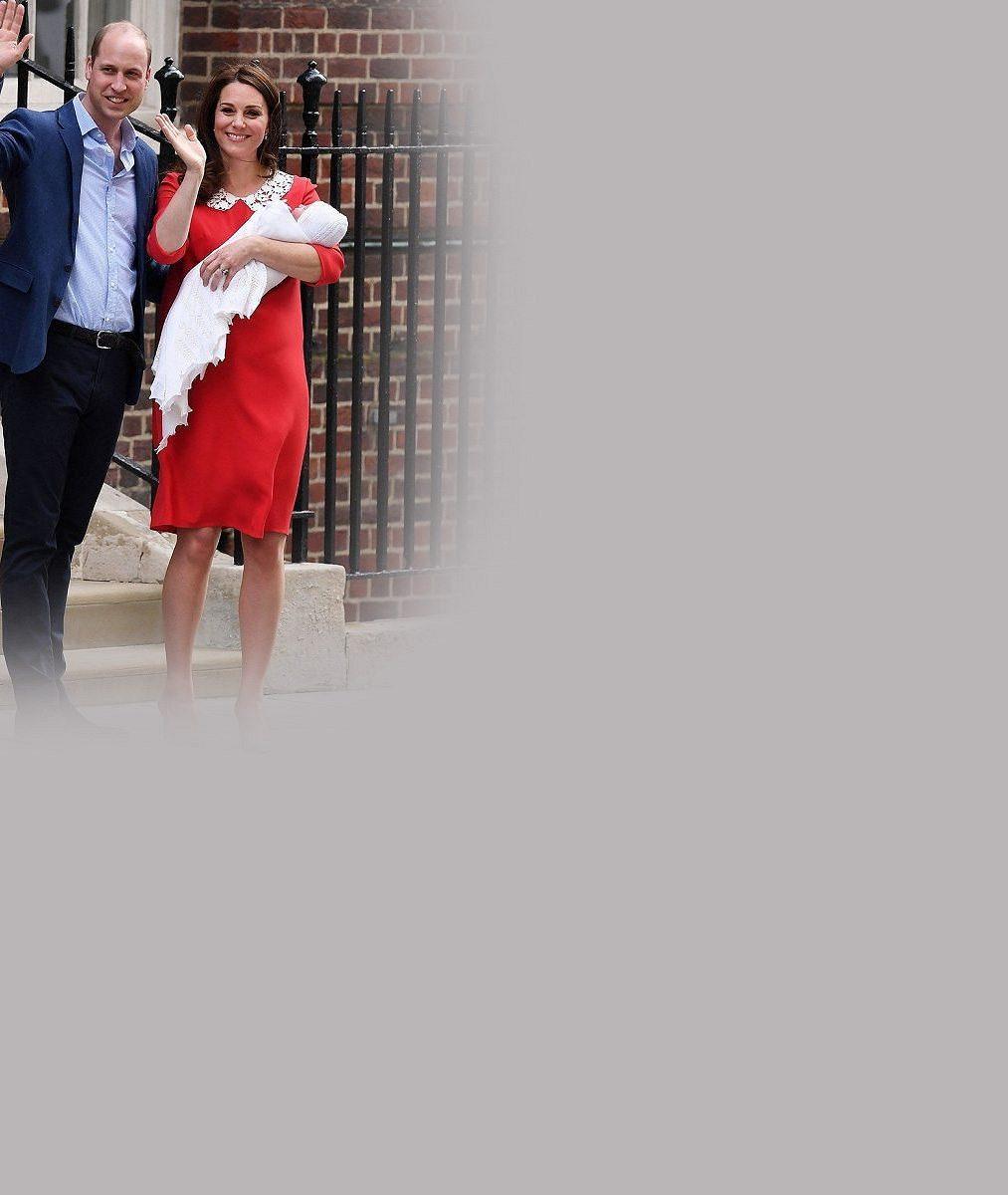 Chodící královská roztomilost: Mrkněte, jak se na sourozence přišli podívat princeznička Charlotte a princ George
