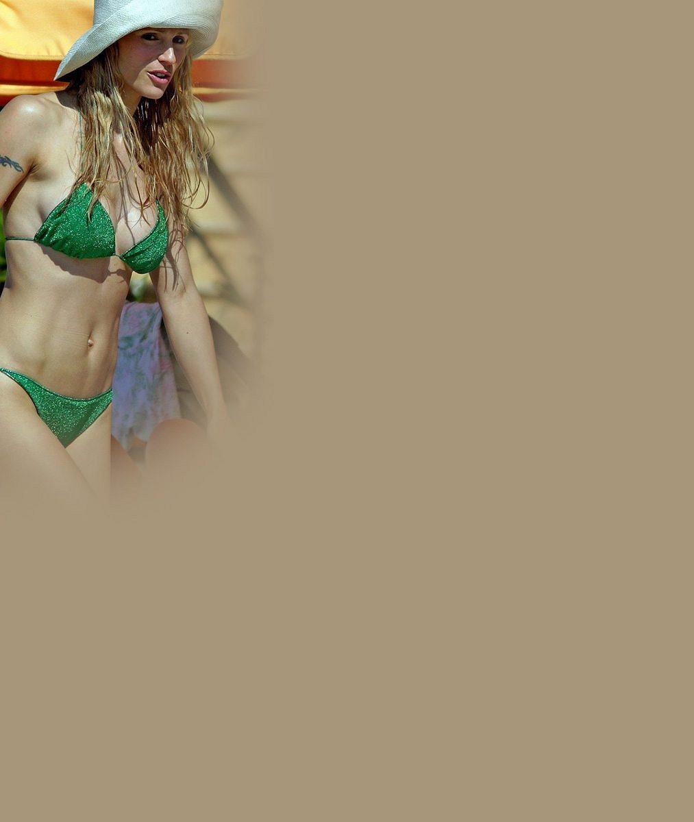 Erosova exmanželka nestárne: Ipo čtyřicítce je vbikinách naprosto dokonalá