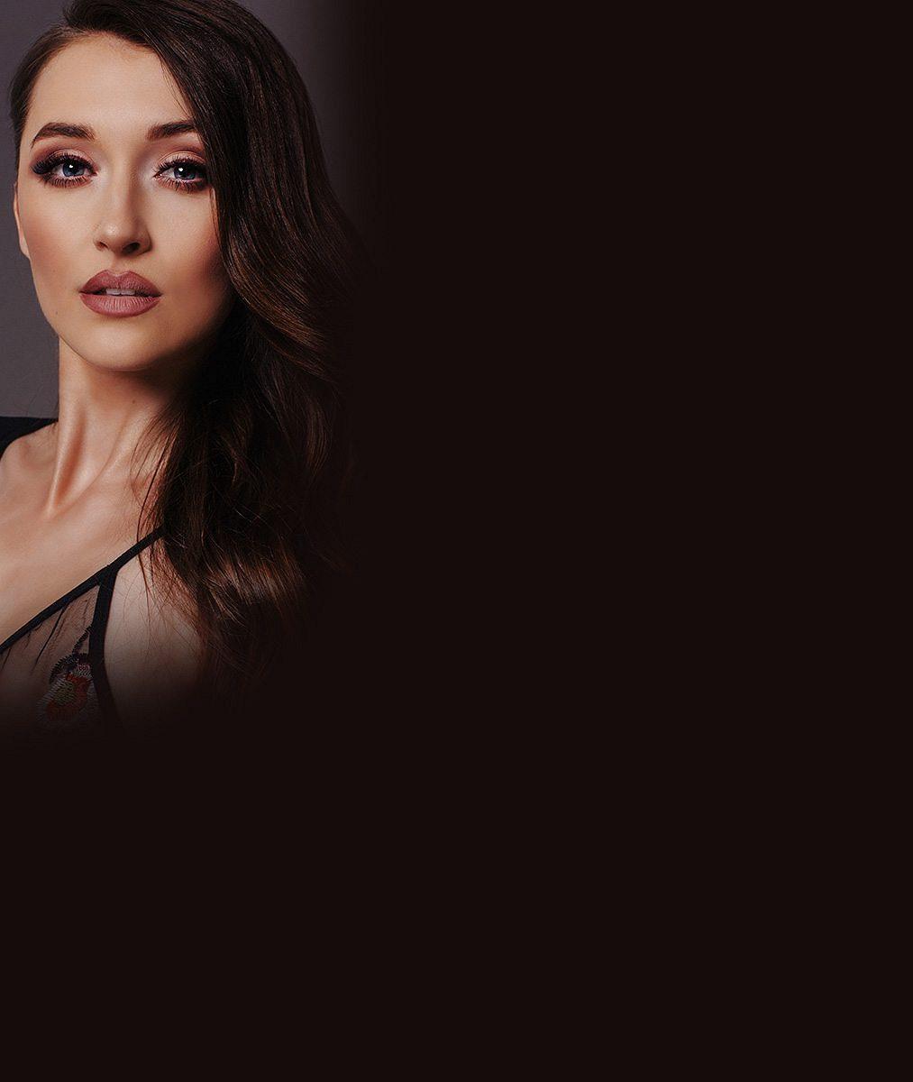 Účastnice kontroverzní reality show střídá barvu vlasů podle nálady. Jak je možné, že ji změní klidně z hodiny na hodinu?