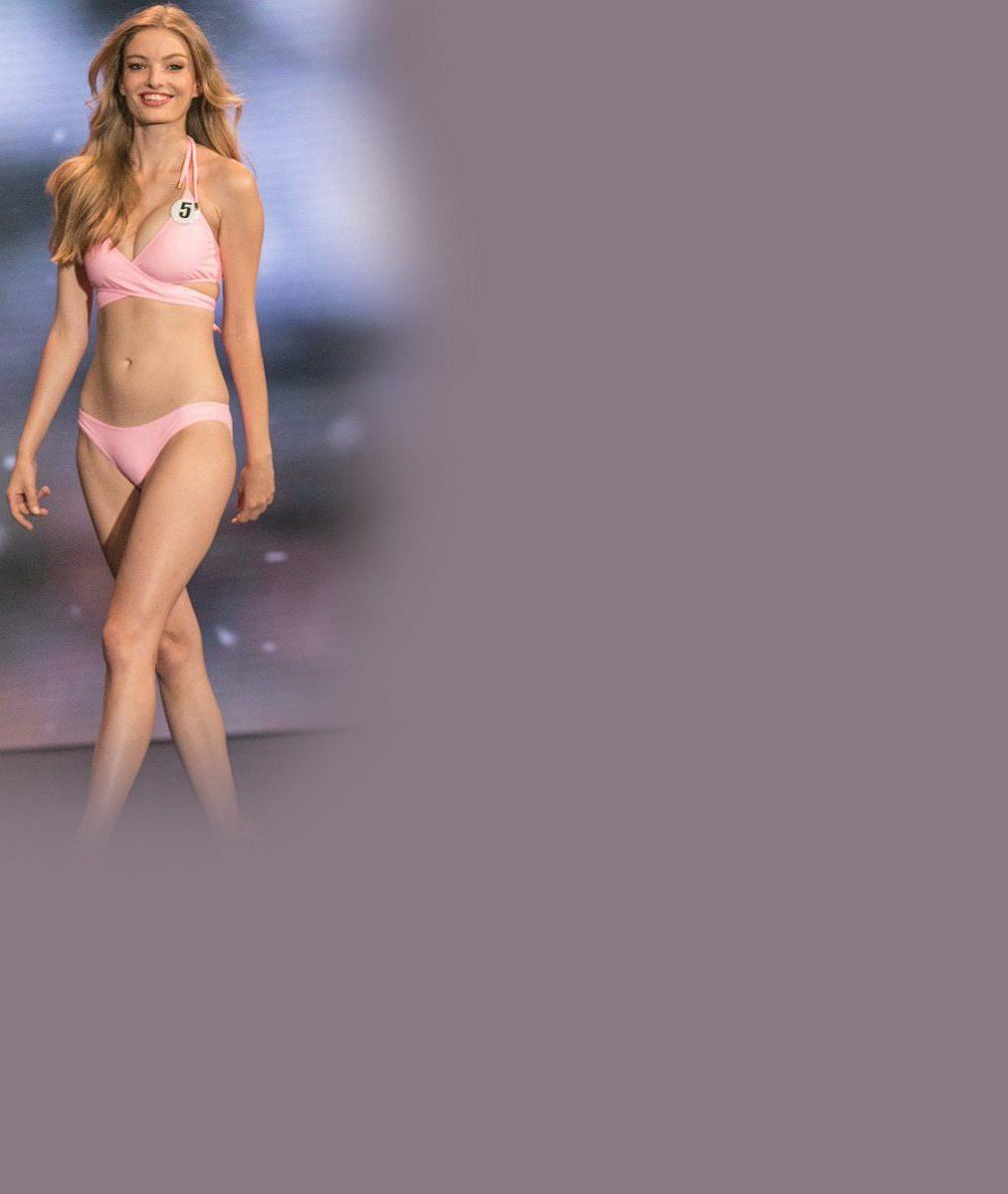 Bojuje přírodními čtyřkami, sundala i umělé řasy: Takhle to sluší české modelce na světové soutěži krásy