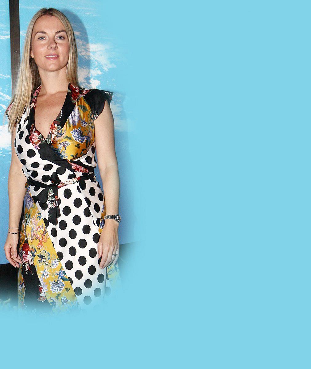 Tohle není její manžel: Karla Mráčková si vyšla do společnosti svousáčem, se kterým ji pojí úzký vztah