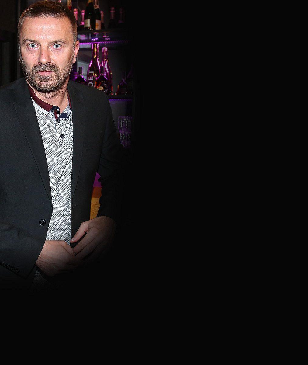 VIDEO: Konec svobody na 2,5roku. Tomáš Řepka nastoupil trest. Zdechneš tady, křičeli vězni