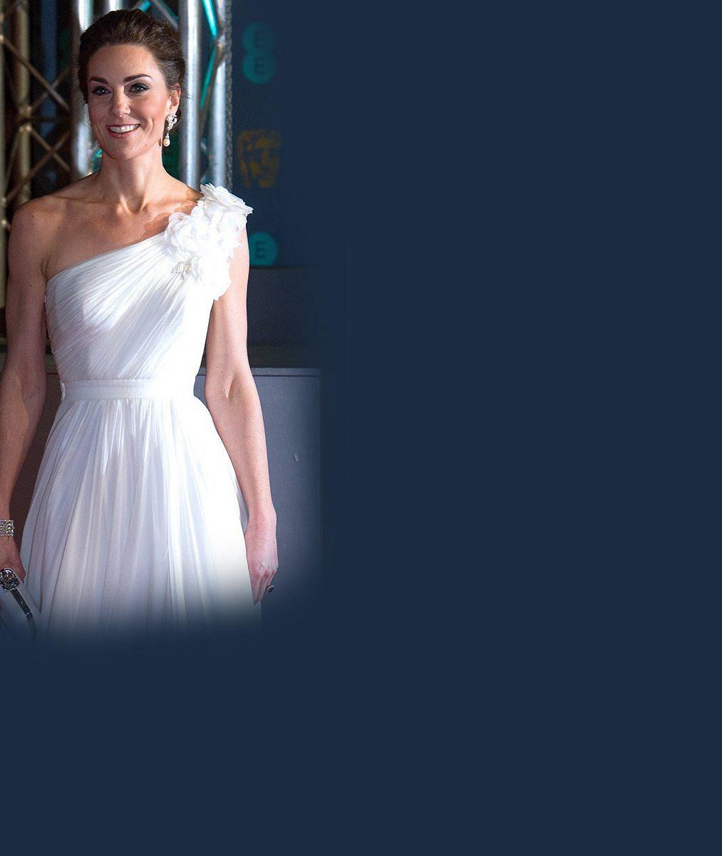 Nádherná, perfektní, bohyně, píší fanoušci: V těchto šatech vévodkyně Kate ukradla pozornost herečkám