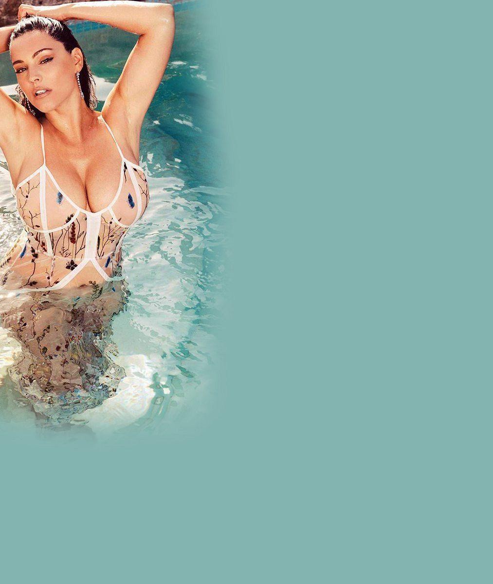 Kelly Brook vyrazila slavit do tepla: Modelka vbikinách je dárkem pro fanoušky