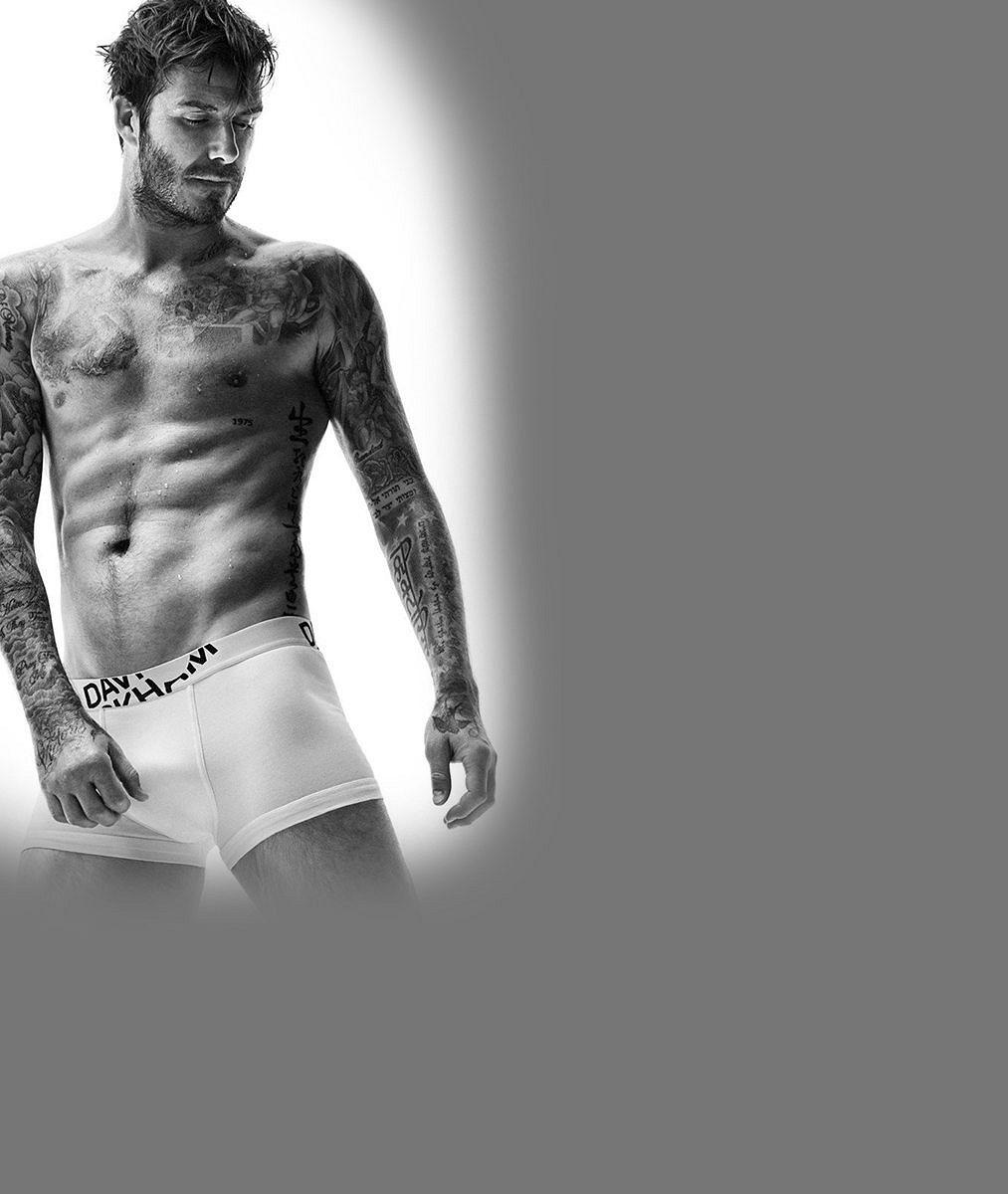 6nejžhavějších fotek Davida Beckhama, jehož tělo pokrývá přes čtyřicet tetování