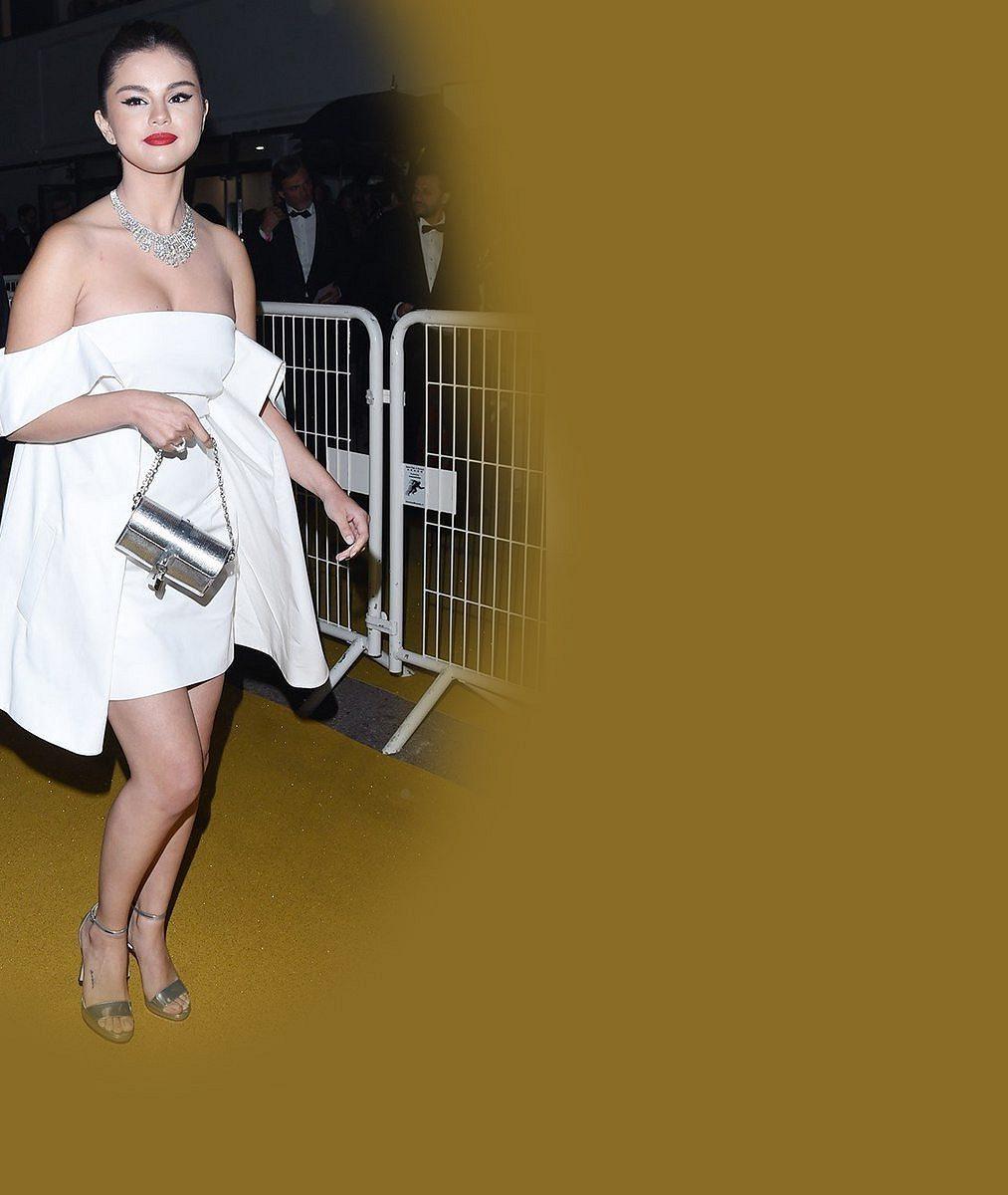 Po zdravotních problémech opět obráží prestižní akce: Selena Gomez snad nikdy nevypadala lépe!