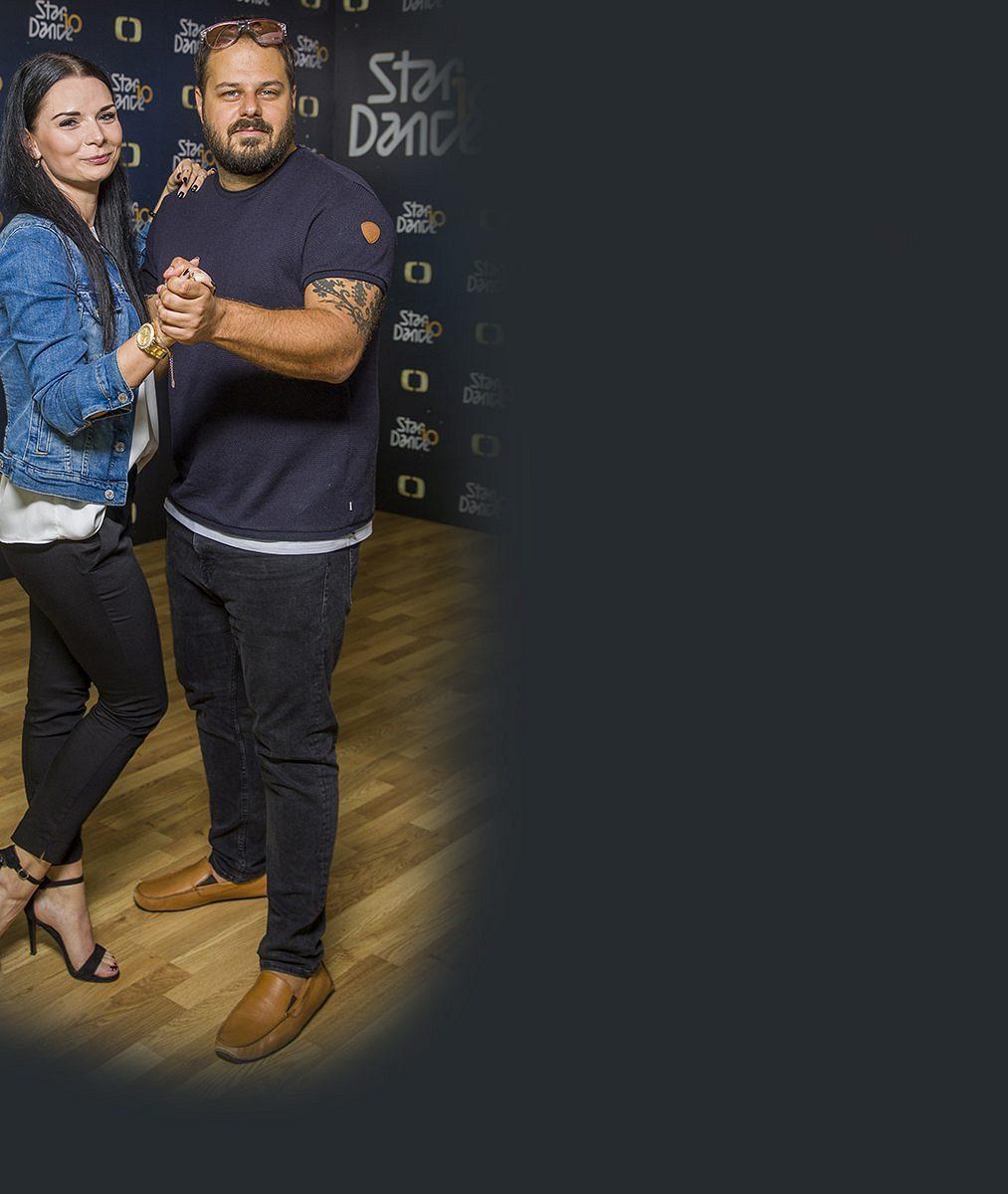 Obvykle nosí boty až odvě velikosti větší: Vtěch tanečních zatím Xindl Xna tréninku StarDance tiše trpí!