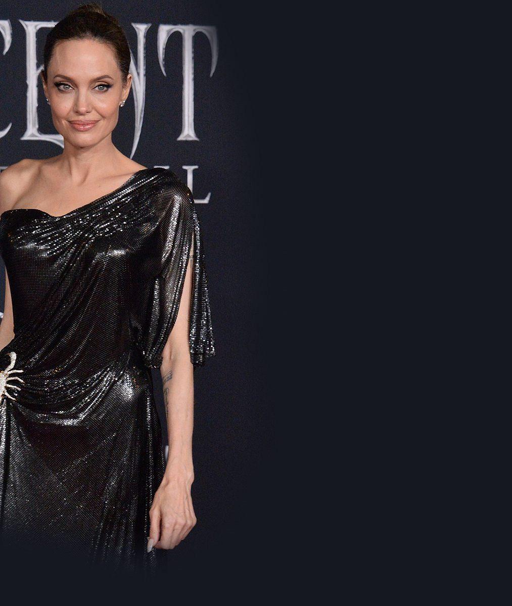 Jolie vyvedla na premiéru ratolesti: Vposlední době jsem se cítila malá, ohrožená azahnaná do kouta, svěřila