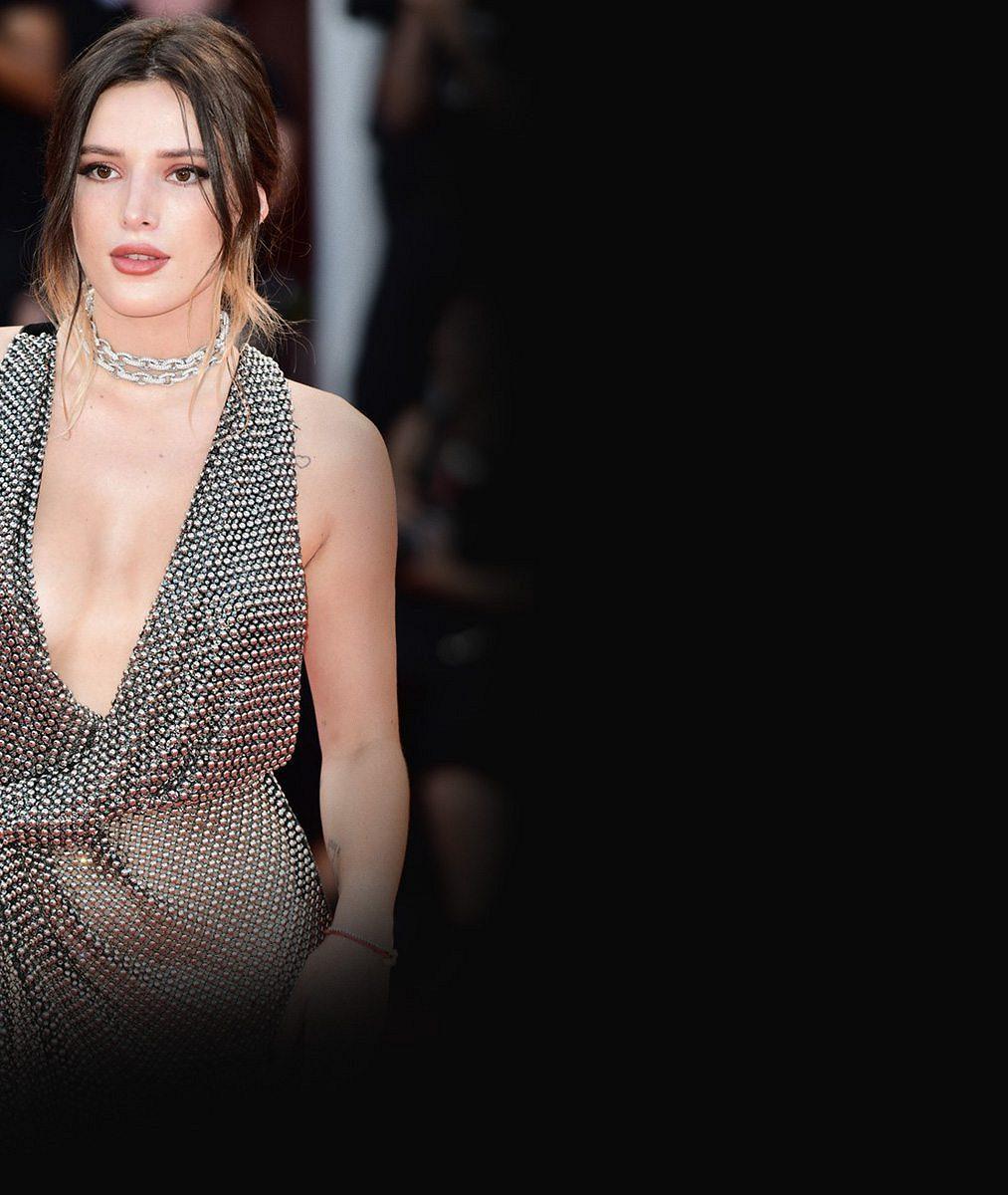 Už zase randí sholkou aklukem zároveň: Pansexuální herečka sdílela skoro nahé snímky snovou láskou