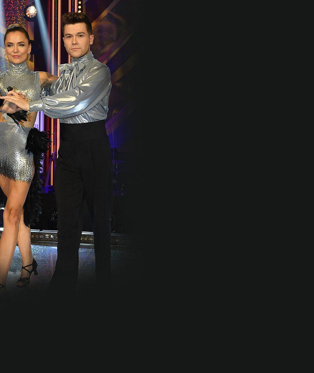 Diváci StarDance se pustili do Třeštíkové: Vadí jim neustálé něžnosti s tanečníkem. Co jim spisovatelka vzkázala?