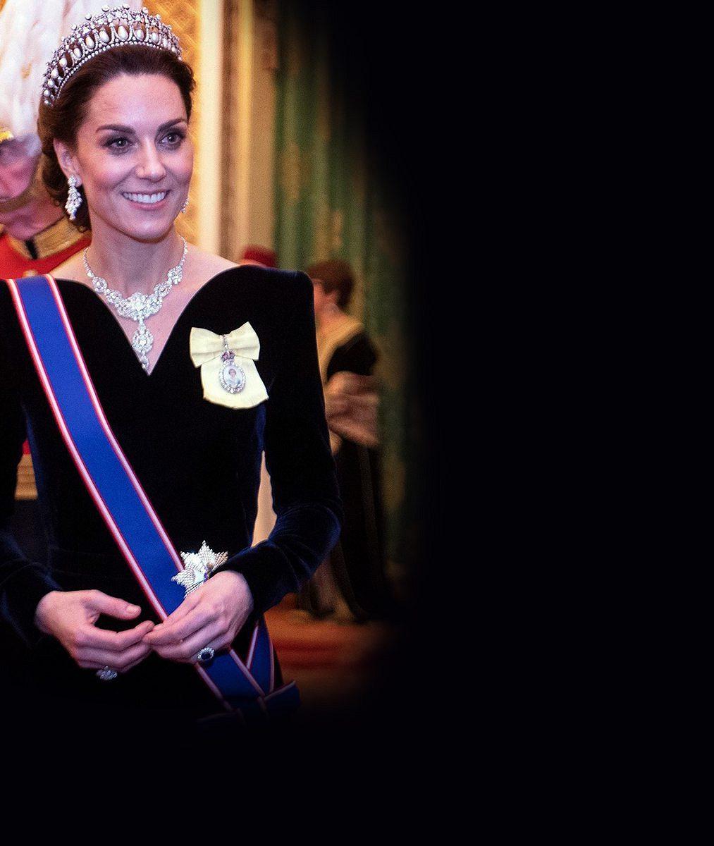 Vévodkyně Kate se ozdobila legendárním kouskem z královské šperkovnice. Kdo jej nosil před ní?