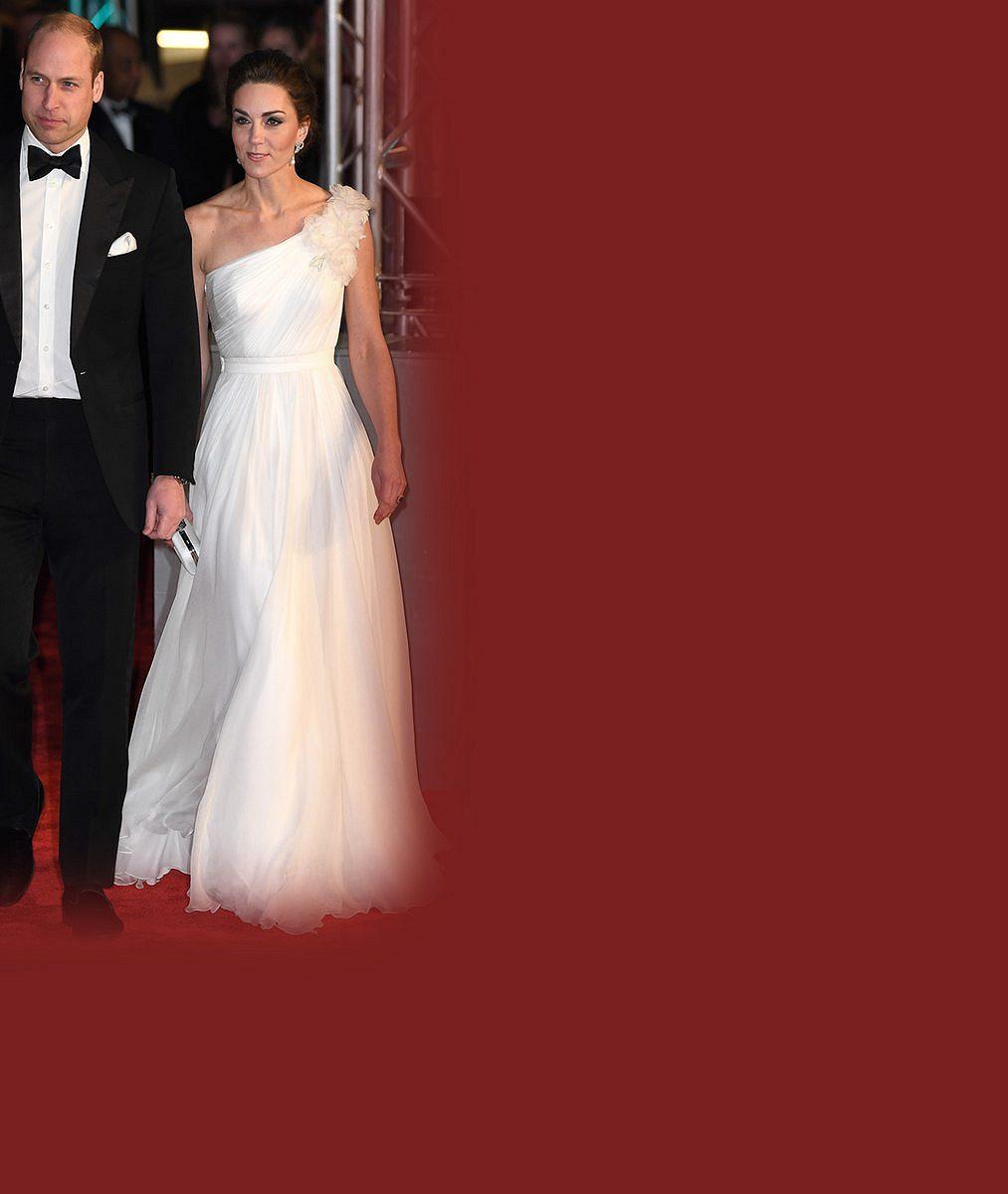 Autorce slavného vánočního snímku Williama, Kate, Harryho aMeghan se povedl další úlovek