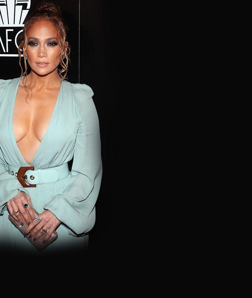 Popírá všechny přírodní zákony: Odpočatá Jennifer Lopez (50) předvedla tělo vbikinách. To nepochopíte!