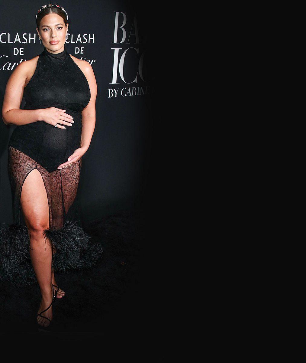 Nejslavnější plus size modelka vyfotila své tělo po porodu arozpovídala se odámských plenkách achlupech vpodpaží