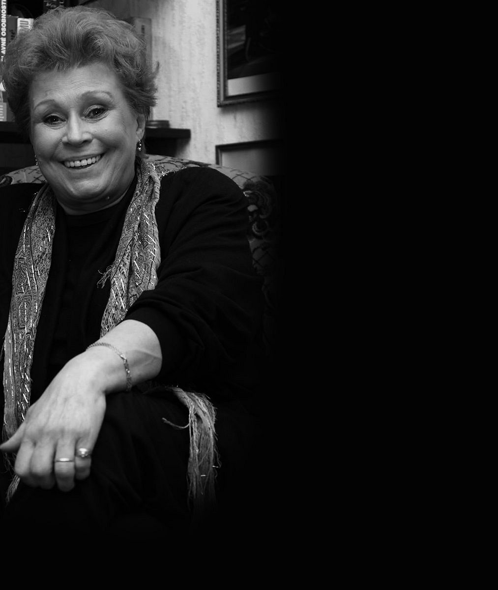Nečekaný smuteční host. S Janou Andresíkovou z Arabely se přišla rozloučit i bývalá rosnička