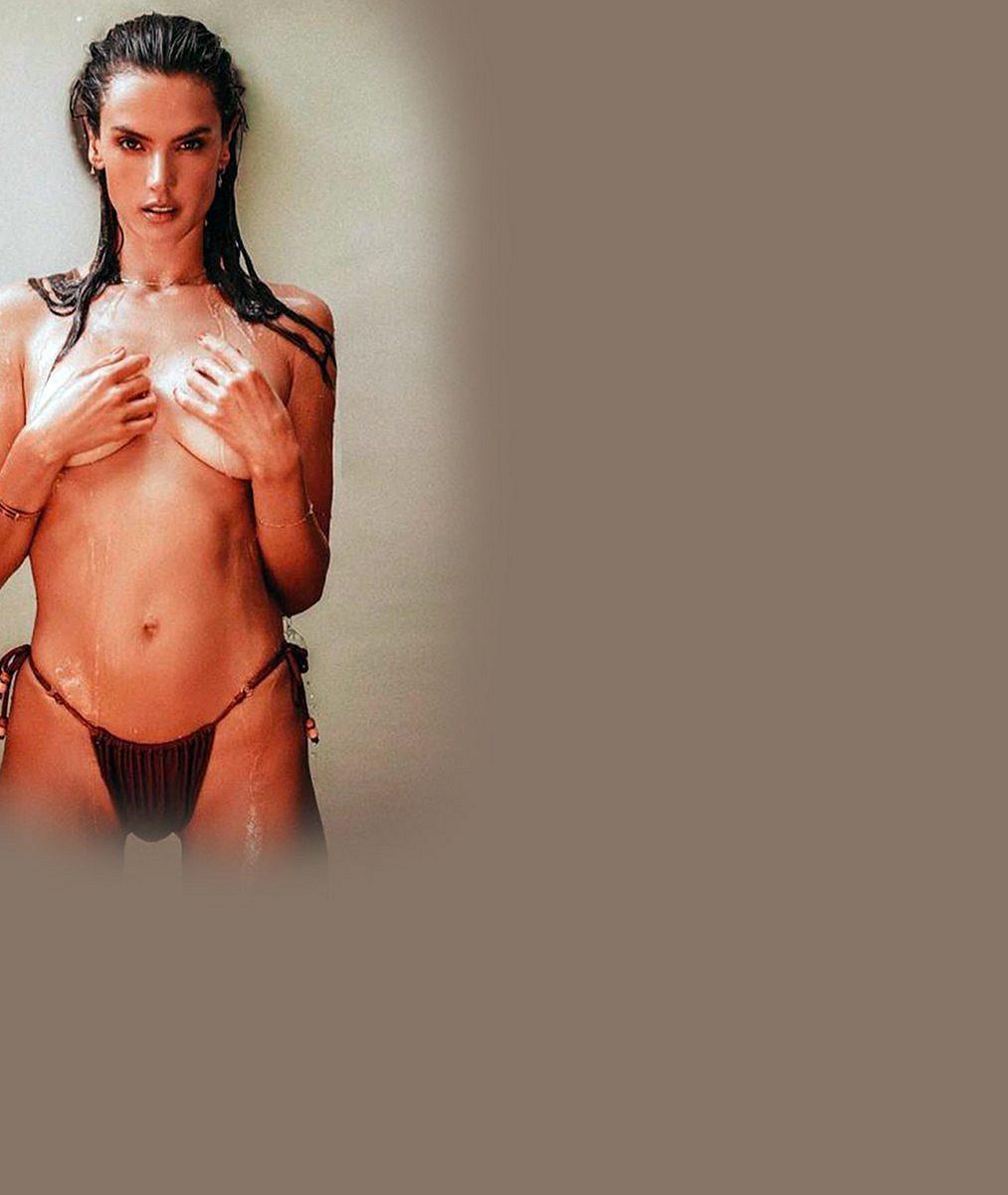 To je podoba! Bývalá modelka Victoria'sSecret nafotila kolekci plavek se svou dospívající dcerou