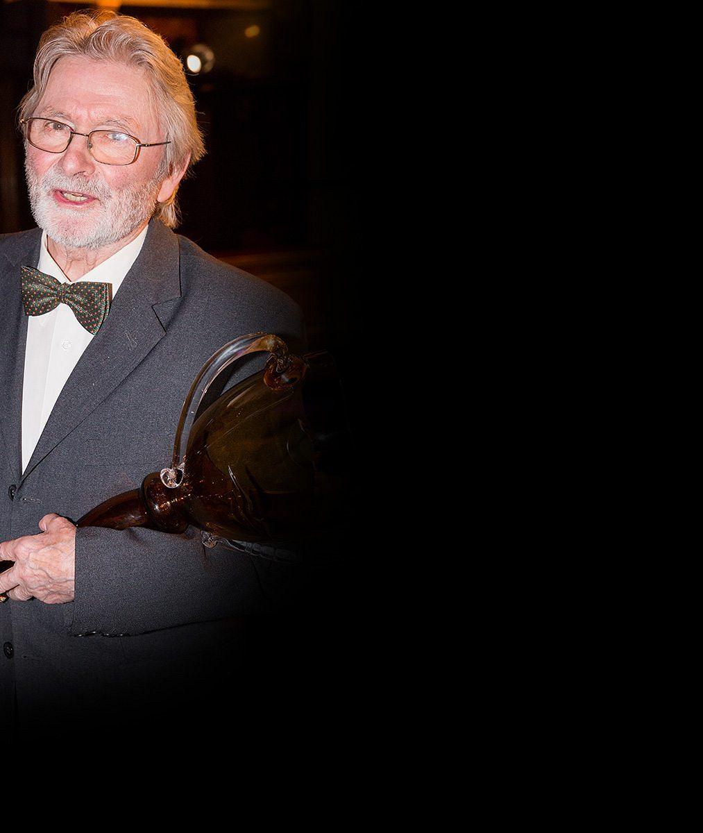 Poslední filmová role Ladislava Mrkvičky (✝81). Herecký bard za ni dostal Českého lva