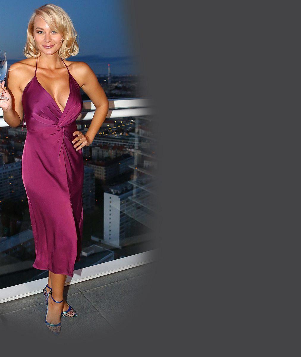 Sexbomba Mottlová převedla své hříšné tělo: Tyhle fotky vás rozhodně nenechají vklidu