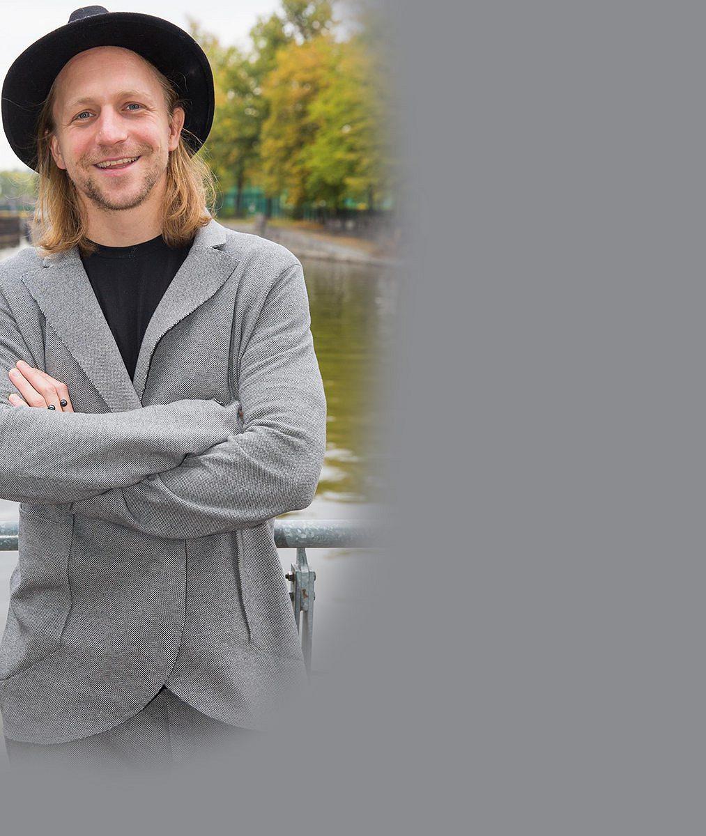 Tomáš Klus vyrazil na akci s celou rodinkou: Podívejte se, jak vyrostly muzikantovy nejstarší ratolesti