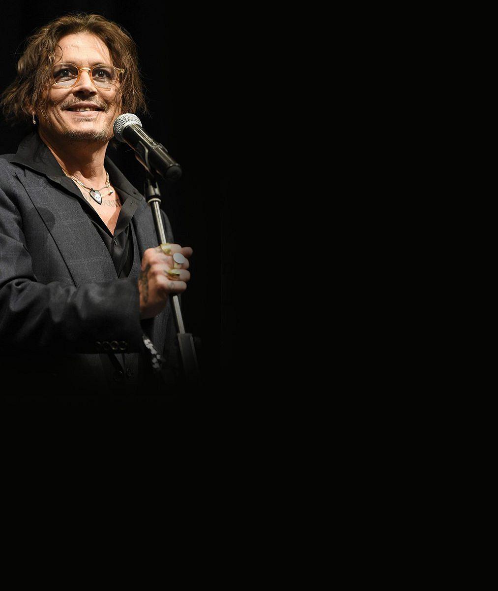 Johnny Depp ji ve Varech pozval na pokoj, strávila s ním tři dny! Blondýnka popsala, co s hercem zažila