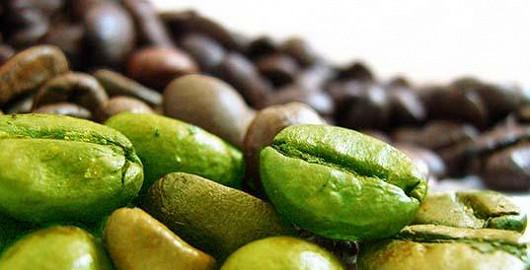 Komu není shůry dáno, zelenou kávu v apatyce nakoupí. Jak ale vybrat tu správnou?