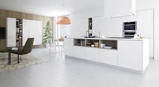 Kuchyňská sestava LINE v provedení BÍLÝ LAK - VYSOKÝ LESK / DUB PŘÍRODNÍ - DRSNÝ