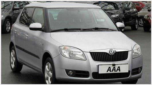 Škoda Fabia 1.2 hatchback Ambiente, šedá metalíza, z roku 2010, po 1. majiteli, najeto pouze 58 456 km