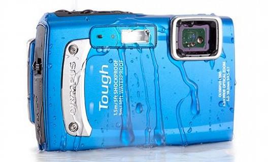 Stylový fotoaparát do drsných podmínek