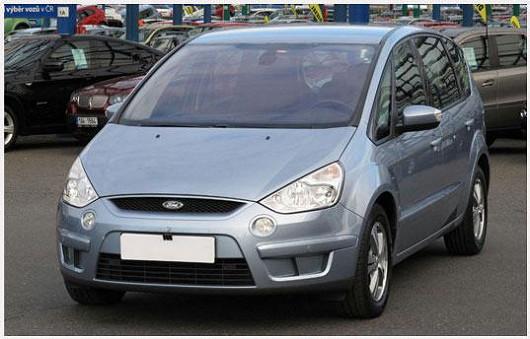 Oblíbený model prostorného MPV Ford S-MAX 1.8 TDCi, z roku 2007, po 1. majiteli, koupeno nové v ČR, najeto pouze 94366 km