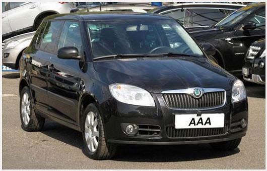 Škoda Fabia 1.2 hatchback Sport se skvělou výbavou, černá metalíza, z roku 2008, po 1. majiteli, najeto pouze 51685 km