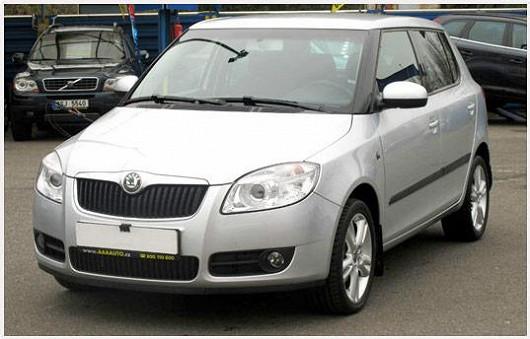 Vyhledávaný model Škoda Fabia 1.2 hatchback, z roku 2008, po 1. majiteli, najeto pouze 55 012 km
